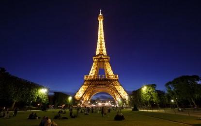 O vizita la Turnul Eiffel