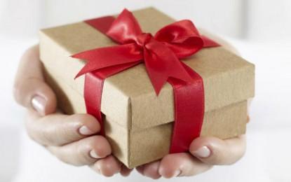 Cadouri pentru femei si barbati – cadoul potrivit